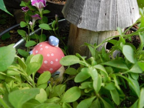 Gnome Tub- Birdhouse and Shroom House